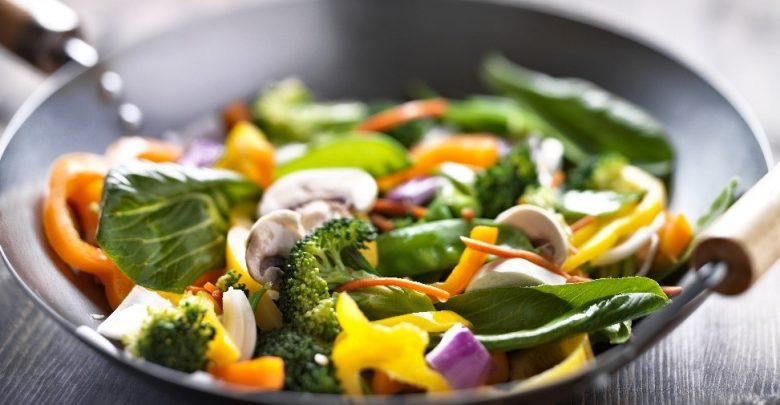 מוקפץ ירקות אסייתי